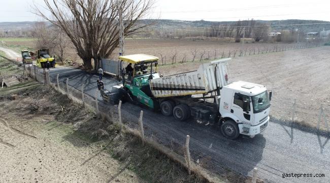 Kayseri Melikgazi Belediyesi, bahar ayının gelmesiyle birlikte altyapı ve asfalt çalışmalarına başladı.