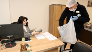 Kayseri Talas Belediyesi'nde Öğle Yemekleri Odalara Servis Edildi!