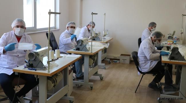 Öğretmenlerin ürettiği maskeler, kamu kurumlarına dağıtılıyor