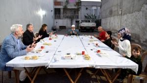 Bornova'da Korona günlerinde Ramazan dayanışması
