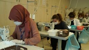 İBB İsmek'ten İstanbullular İçin Maske Üretimi Hızlandı!