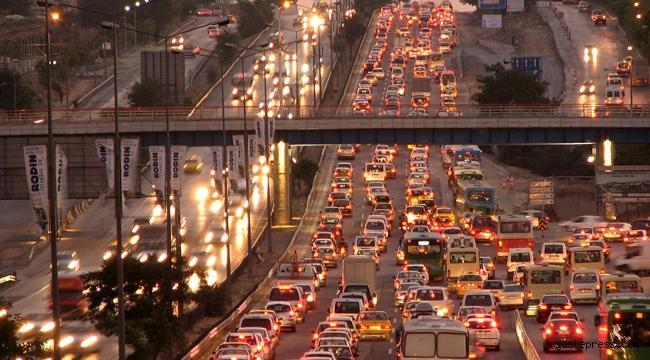 İstanbul'da Virüse Rağmen Trafifikteki Araç Sayısı Ancak Yüzde 35,8 Azaldı!