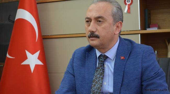 İYİ Parti Kayseri İl Başkanı Süleyman Bozkurt, Cenab-ı Hak'tan milletimize ve insanlığa nusret bahşetmesini niyaz ederim.