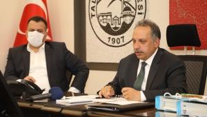 Kayseri Talas'da Başkan Yalçın Beyaz Masa'ya Sanal Ortamda Devam Ediyor!