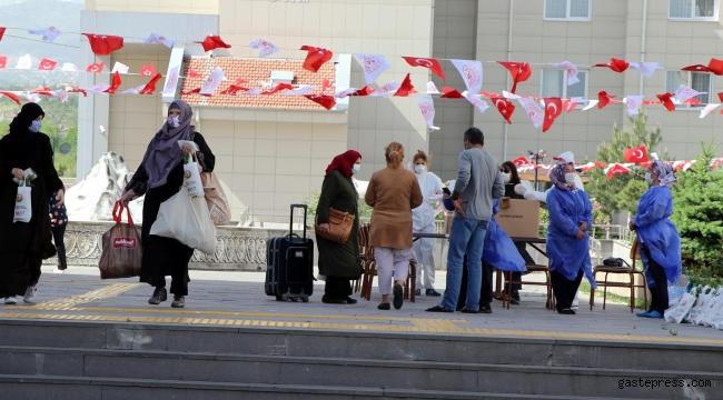 Almanya'dan Kayseri'ye getirilen 155 kişi, tahliye edildi