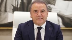 Antalya'da Başkan Muhittin Böcek'ten Bayram Mesajı!