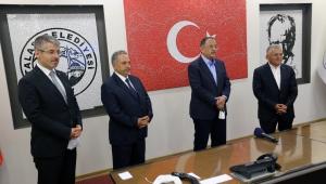 Bakan Özhaseki Talas Belediye Başkanı Mustafa Yalçın'ın bütün projeleri hayata geçirecek bilgi ve birikime sahip olduğuna vurgu yaptı.