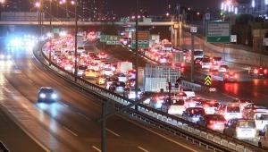 İstanbullu sokağa çıkma kısıtlamasına trafikte yakalandı