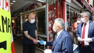 Kayseri Büyükşehir Belediye Başkanı Dr. Memduh Büyükkılıç ve AK Parti'den Bayram Ziyareti