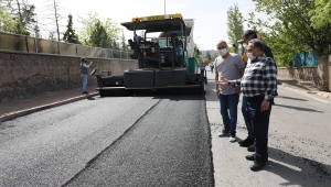 Kayseri Talas Belediyesi yaz gelmesiyle yol yapım ve asfalt çalışmalarına hız verdi.