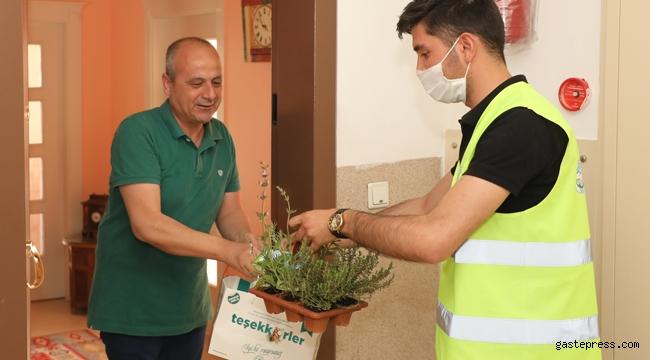 Kayseri Talas'da Başkan Yalçın'dan Hekim ve Diş Hekimlerine Bayram Armağanı!