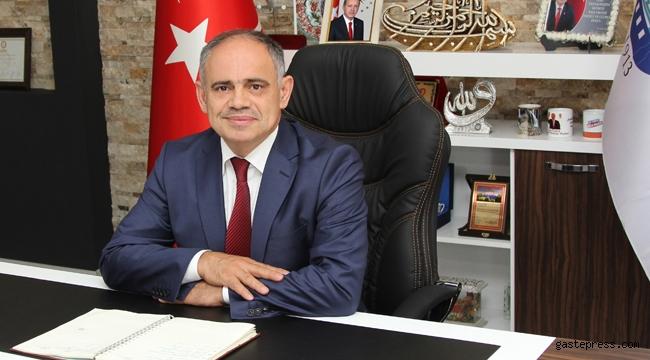 Kayseri Yahyalı Belediye Başkanı Esat Öztürk'ün Bayram mesajı!