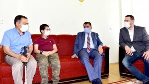 Malatya Büyükşehir Belediye Başkanı Selahattin Gürkan Engelli Aileleri ziyaret etti.