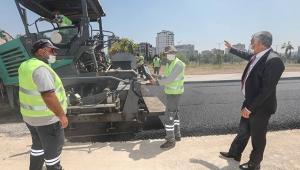 Adana Büyükşehir asfaltsız yol bırakmama adına kararlı ilerliyor