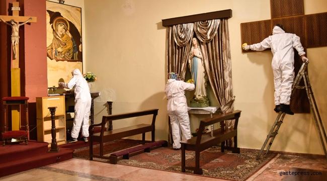 Adana'da Bebekli Kilise'sinde temizlik ve dezenfekte edildi!