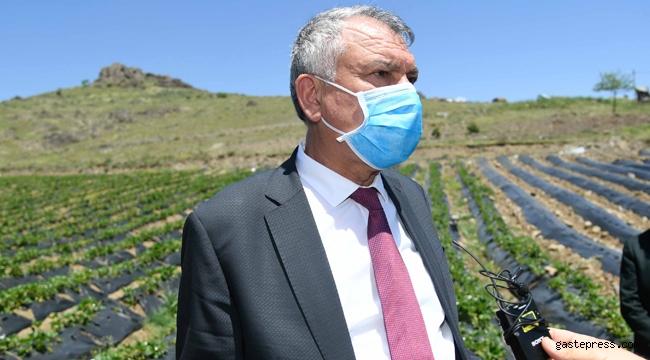 Adana'da Zeydan Karalar, koronavirüs mağduru hemşehrilerinin yanında!