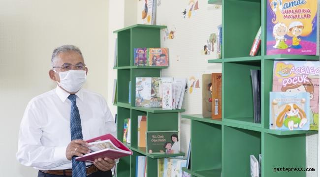 Başkan Büyükkılıç'tan Çocuklara Özel Kütüphaneler