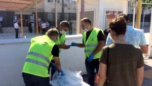 İzmir Büyükşehir'den YKS'de ter dökecek öğrencilere su ve maske desteği