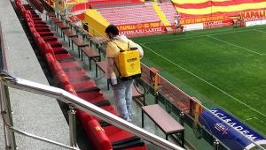 Kadir Has Stadyumu'nda dezenfeksiyon çalışması