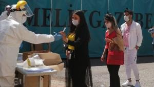 Kayseri'de kalfanın testi pozitif çıktı, tüm berber ve kuaförler testten geçti!