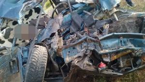 Kayseri'de trafik kazası! Otomobil ile TIR çarpıştı 2 kişi öldü 1 kişi yaralandı!