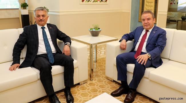 Antalya'da Vali Yazıcı'dan Başkan Böcek'e iadeyi ziyaret!
