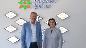 Batı Trakya Türklerinin Efsane Lideri Dr. Sadık Ahmet'in Eşinden Başkan Akay'a Ziyaret!