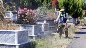 Bursa Belediyesi'nden Mezarlıklarda bayram temizliği!