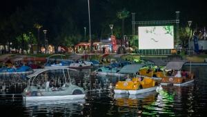 Bursa'da Su üstünde sinema keyfi!
