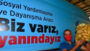 İzmir Büyükşehir üreticiyi desteklemeyi sürdürüyor; 100 ton patates alındı!