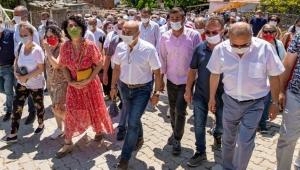 İzmir'de Başkan Tunç Soyer Seferihisar'daki ilk lavanta hasadına katıldı!