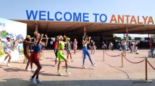 Antalya'ya bugün 20 bin Rus turist gelecek!