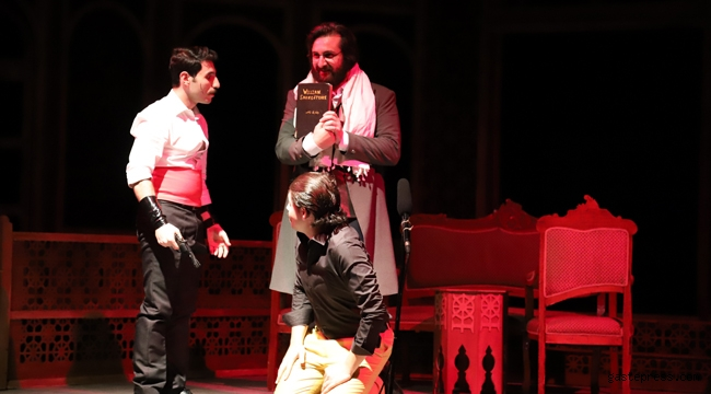İzmir Bornova'da, Sağlık kahramanlarına ücretsiz tiyatro keyfi!