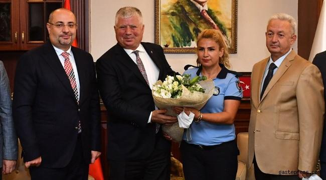 İzmir Zabıta Teşkilatı 64 yaşında!