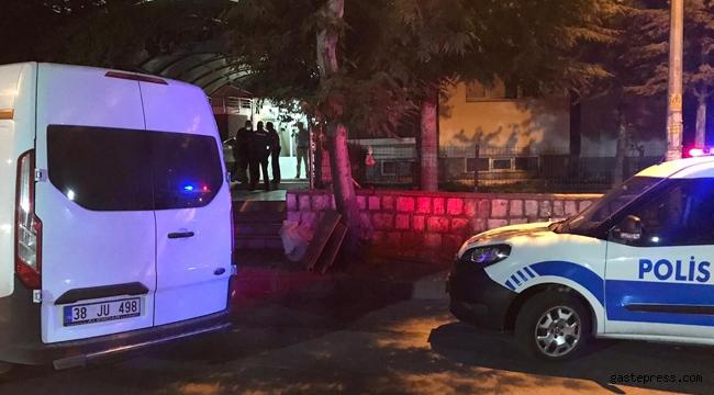 Kayseri'de, 3'üncü kattan düşen emekli öğretmen hayatını kaybetti!