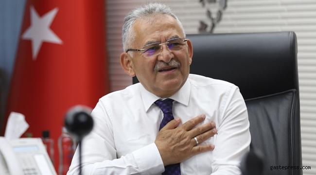 Kayseri'de Memduh Başkan Bayramlaşmada Yaşlıları Unutmadı!