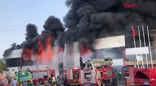 Manisa'da fabrikada yangın meydana geldi!