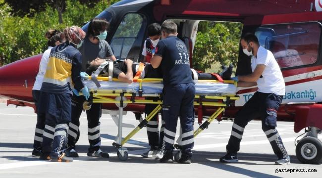 Ölümlü kazanın yaralı sürücüsü ambulans helikopterle hastaneye getirildi!