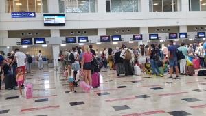 Antalya'ya gelen turist sayısı 1.5 milyonu geçti!