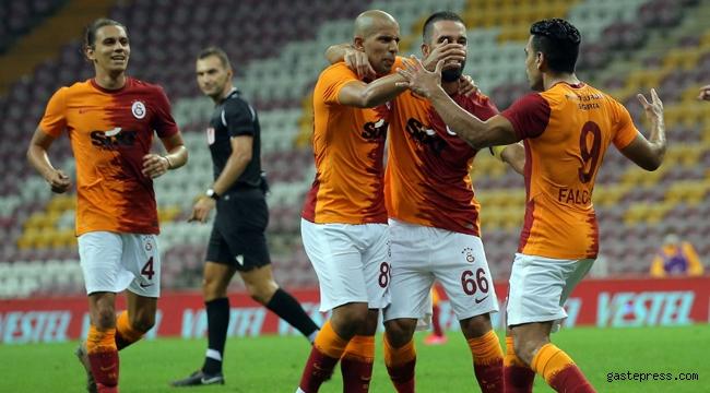 Galatasaray - Hajduk Split maçını şifresiz yayınlayan kanal var mı?