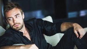 Güzel oyuncu Hande Erçel'den ayrılan Murat Dalkılıç'ın boyu olay oldu!