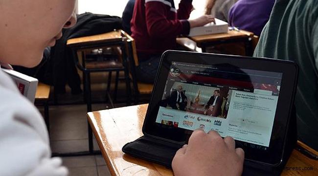 Kayseri Belediyelerinden Milli Eğitim Bakanlığı'na 10 Bin Tablet Desteği!