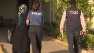 Kayseri'de FETÖ/PDY Örgüt Üyesi 2'si Kadın 3 kişi Gözaltına Alındı!