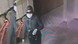 Maskeli ve gözlüklü hırsızlık şüphelilerinin yakalanması için özel ekip!