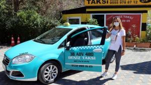 Otomobil tutkusu, 1 çocuk annesini taksi şoförü yaptı