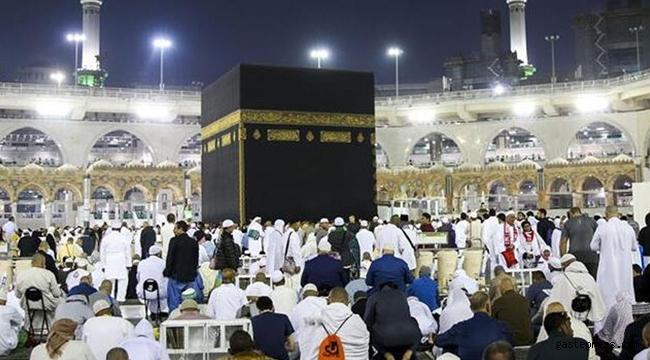 Suudi Arabistan umre ziyaretleri için kapılarını açıyor!