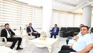 Yeni Malatyaspor Kulüp Başkanı Adil Gevrek,Malatya Büyükşehir Belediye Başkanı Selahattin Gürkan'ı ziyaret etti!