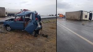 Kazada yola savrulan yolcu, devrilen TIR'ın altında kalarak öldü!