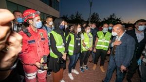 İzmir'de Biz Varız dayanışması depremzedeler için genişletildi!