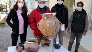 Kültepe'de 4 bin 200 yıllık mezar küpü bulundu